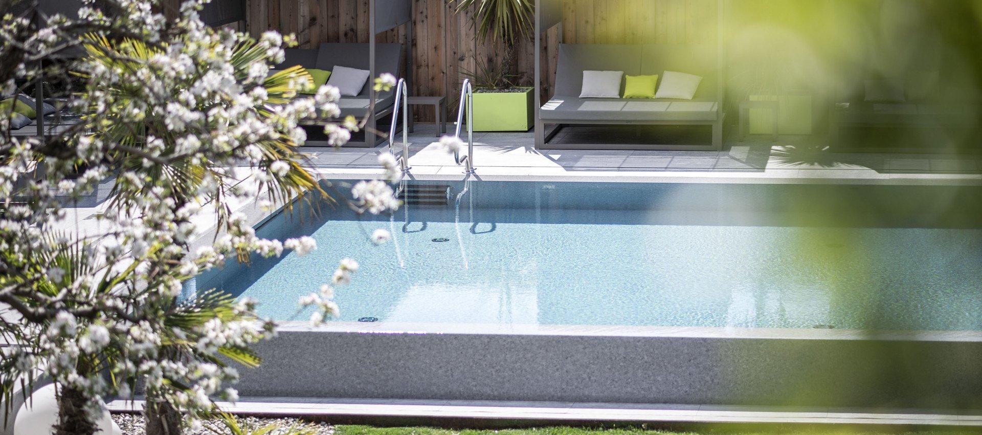 Wanderhotel Südtirol Preise im Hotel mit Pool; Urlaub in den Bergen, Wellnesshotel Südtirol