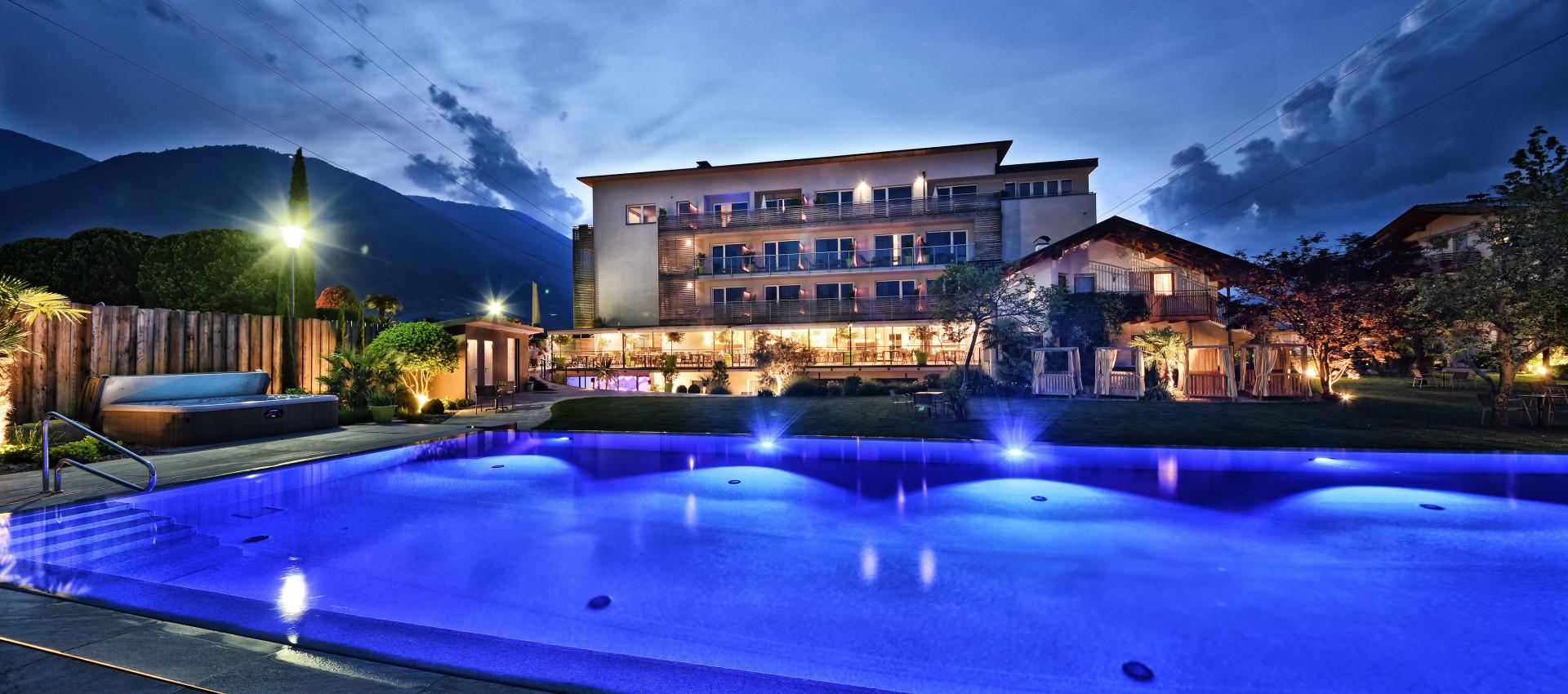 Hotel 4 Sterne, Südtirol outdoor pool