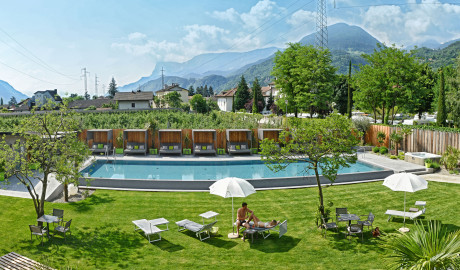 Wellnesshotel in Meran Hotel 4 Sterne, Südtirol outdoor pool