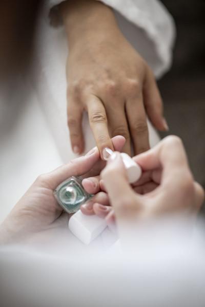 Massagen und Beauty im Wellnesshotel Pfeiss in Lana bei Meran, Maniküre, Hotel Pfeiss Lana