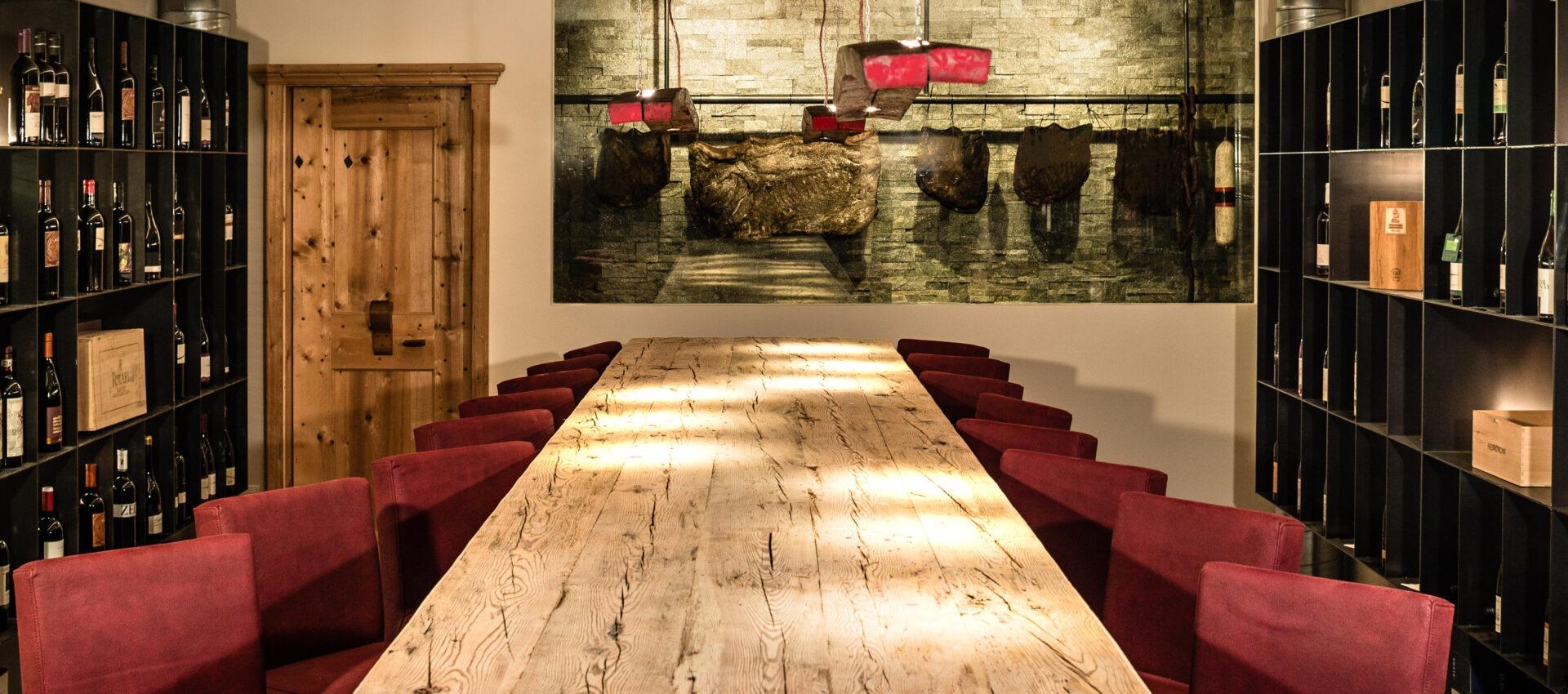 Weinkeller 4 Sterne Hotel in Lana Pfeiss - Meran - Südtirol