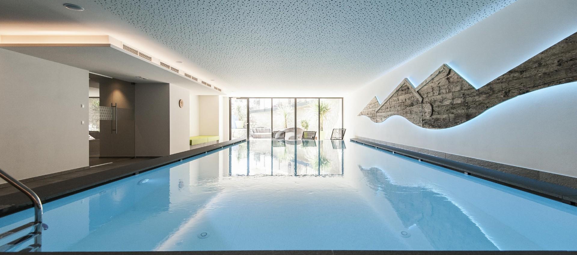 Indoor Pool im Hotel Pfeiss in Lana