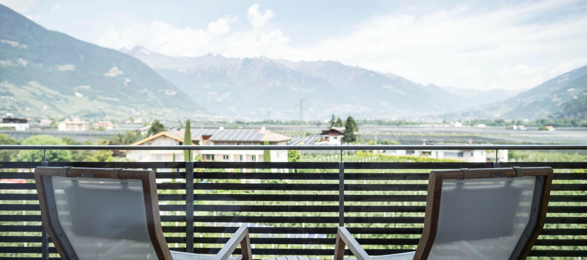 Zimmer mit Panoramaaussicht, mitten Apfelwiesen im Meraner Land, Südtirol